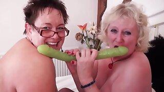 British Big Tits Bbw Grannies go lesbian
