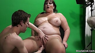 He licking her fat pussy before cock riding