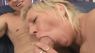 Blond Big Beautiful Woman-granny screwed by younger bodybuilder