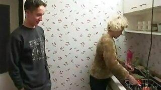 rus MAMMA and Juvenile BOYFREND FUCK in bath - NV