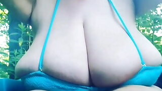 Huge tits, her name please?