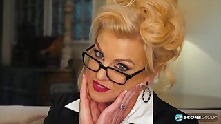 Voluptuous, blonde mature, Taylor Leigh is alone at home and in the mood to masturbate
